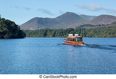 Boats on Derwent Water in Lake District - Boats on edge of...