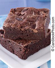 két, brownies, kazalba rakott, Tányér