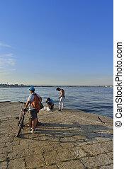 giovani, pescatori, Sul, molo