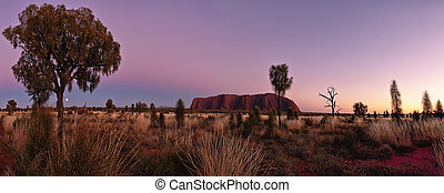 Australias Heartland - Inland desert country of central...