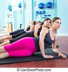 Pilates, グループ, マット, ジム, 教官, あること, 女性