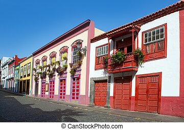 Santa Cruz de La Palma colonial house facades - Santa Cruz...