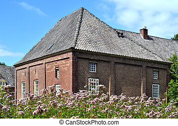 Historic coach house. - Coach house of castle Slangenburg in...