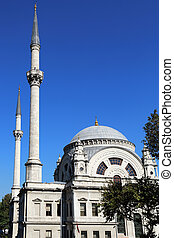Dolmabahce Mosque Istanbul - the Dolmabahce Mosque in...