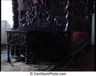DRACULA CASTLE bed with canopy tilt - Bed with canopy...