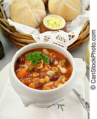 Minestrone Soup - Delicious minestrone soup with fresh baked...