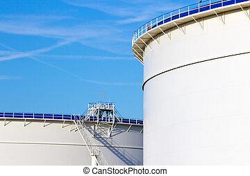Oil storage silos - Oil storage tanks