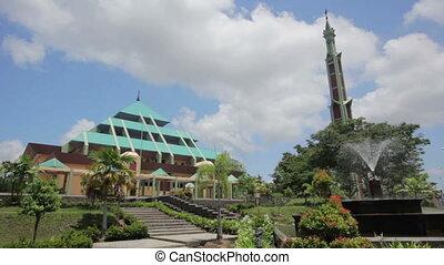 Masjid Raya Batam pyramid mosque