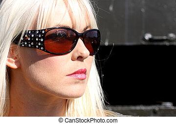 Woman wearing sunglasses - Sexy woman wearing sunglasses.