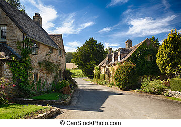 Old cotswold stone houses in Icomb - Ancient cotswold stone...
