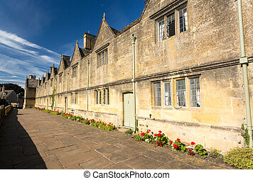 Traditional cotswold stone almshouses - Lovely old cotswold...