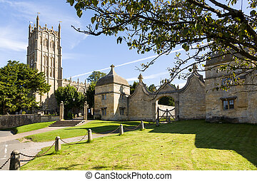 Church and gateway in Chipping Campden