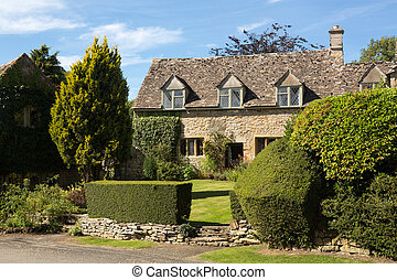 Old cotswold stone house in Icomb - Ancient cotswold stone...