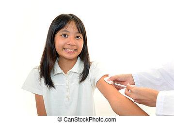 niña, recibiendo, vacuna