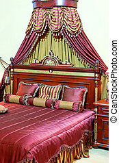 Royal bed - Big royal engraved bed with luxury baldachin