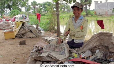 Garbage gatherer childs in cambodia