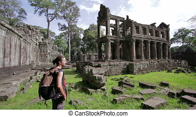 Backpacker in angkor wat