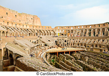 Colosseo (Colosseum) Rome, Italy