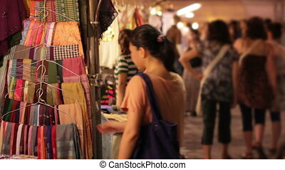 Shopping Asian Night Market