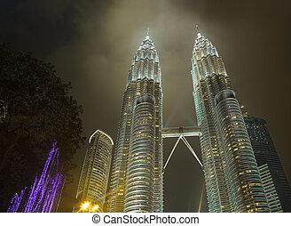 Twin towers at Kuala Lumpur Malaysia - architecture...