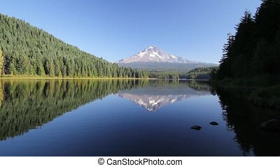 Trillium Lake with Mount Hood Water Reflection in Oregon...