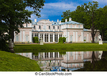 Country palace of the last century - Palace in park of...
