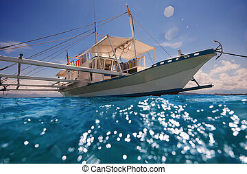 Filipino outrigger ready to navigate - Filipino outrigger...