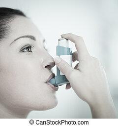 mulher, asma, usando, inalador