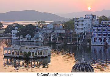 View on the Udaipur lake on the night, Udajpur, India....