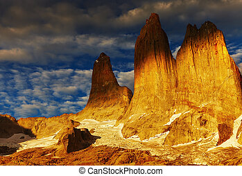 Torres del paine at sunrise - Towers at sunrise, Torres del...