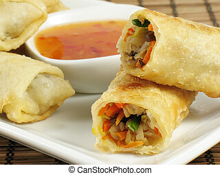 Tasty Egg Rolls - Delicious egg rolls filled with chicken,...