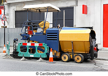 Asphalt paving machine - Asphalt surfacing and paving...