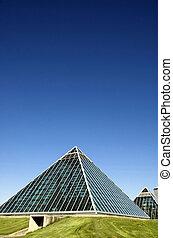 muttart conservatory - Summer view of a modern building...