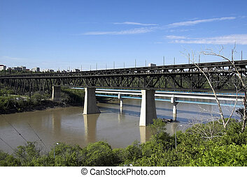 high level bridge - The high level bridge over the...