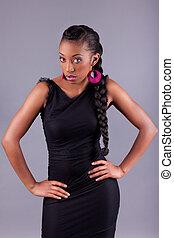 Young African amercian woman posing - Young beautiful...