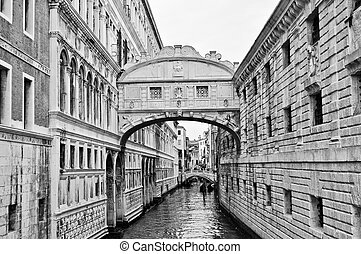 Bridge of Sighs Venice - Ponte dei Sospiri (Bridge of Sighs)...