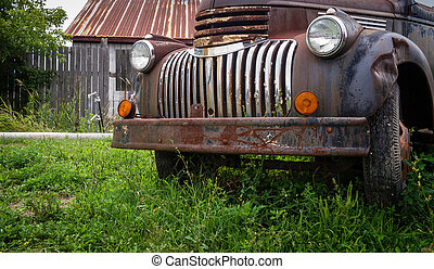 Old rusty abandoned truck - A rusting old vintage pick up...