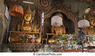 Buddha Inside Taung Tho Pagoda