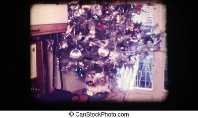 Vintage 8mm. Christmas tree - Vintage 8mm. Decorated...