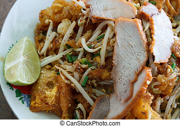 Famous Thais dish, Phad thai - fried wonton fried with tofu,...