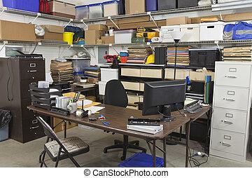 rörig, baksida, kontor