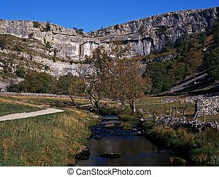 Malham Cove, Yorkshire Dales. - Malham Cove and beck,...
