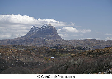suilven - Suilven, a distinctive mountain in Scotlands far...