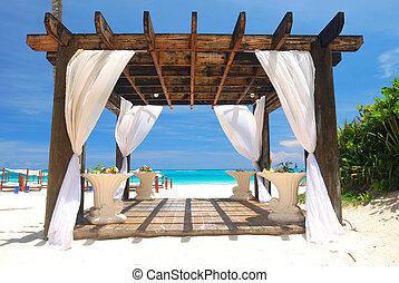 Beach pergola - Beautiful caribbean beach with pergola in...