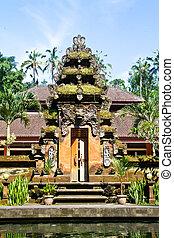 Pura Tirta Empul - Bali temple gate - Pura Tirta Empul