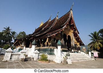 Wat Xieng Thong in Luang Prabang, Laos.
