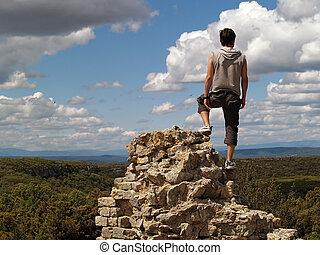 excursionista, borde, acantilado