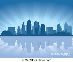 Kansas city, Missouri skyline with reflection in water