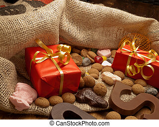 Saint Nicholas bag with gifts - De zak van Sinterklaas (St....