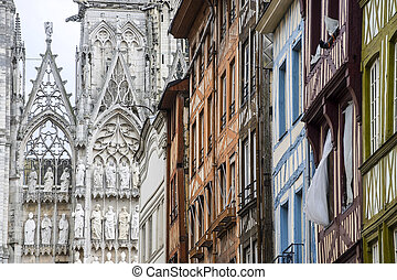 Rouen - Cathedral and houses - Rouen (Seine-Maritime,...